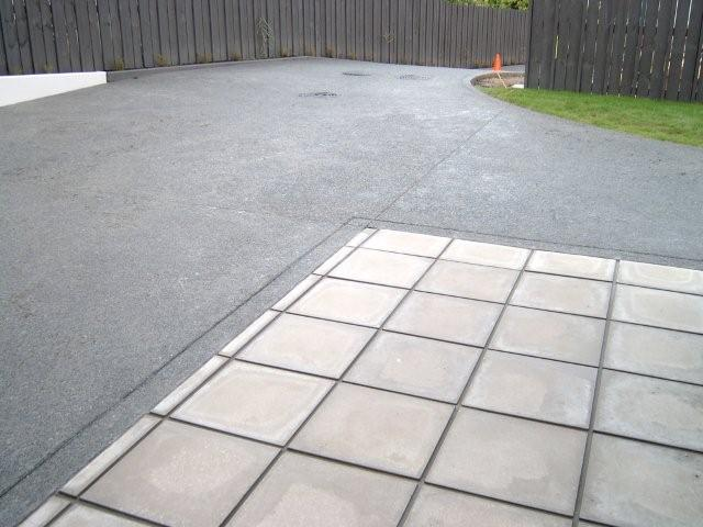 Exposed 19mm Chip and Paving